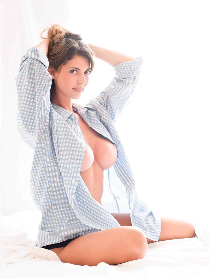 Huge tits shirt porn pics